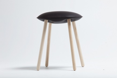 bloated_stool_04_960