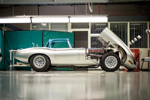 jaguar-e-type-missing-six-designboom14