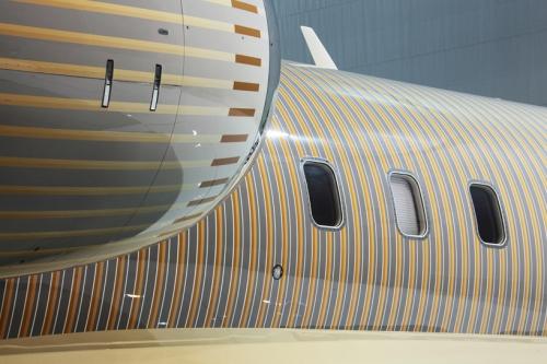 happy-design-studio-private-jet-painting-1