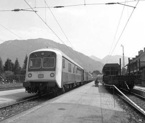 Electric_train_at_Ruhpolding_-_geo.hlipp.de_-_3966