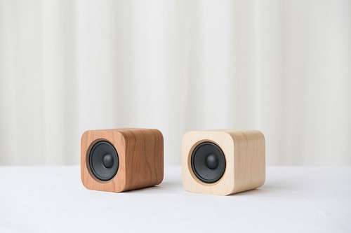 sugr-cube-wireless-speaker-designboom-04-818x545